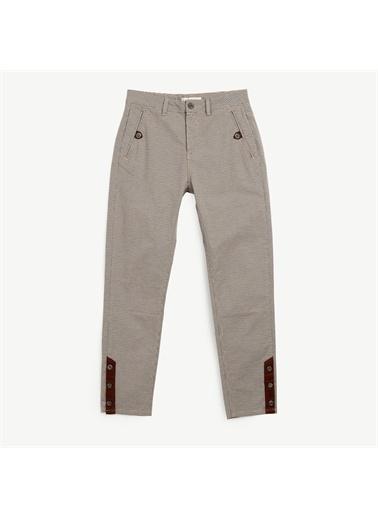 Yargıcı Paça Detaylı Pantolon Renkli